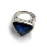 №a1437 Кольцо Синий треугольник
